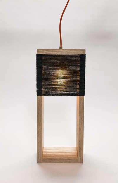 Lampe en bois de palette - astucesenligne.fr