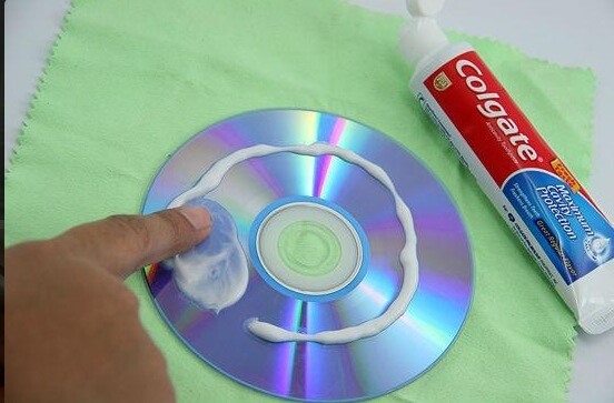 Réparer un CD grace au dentifrice