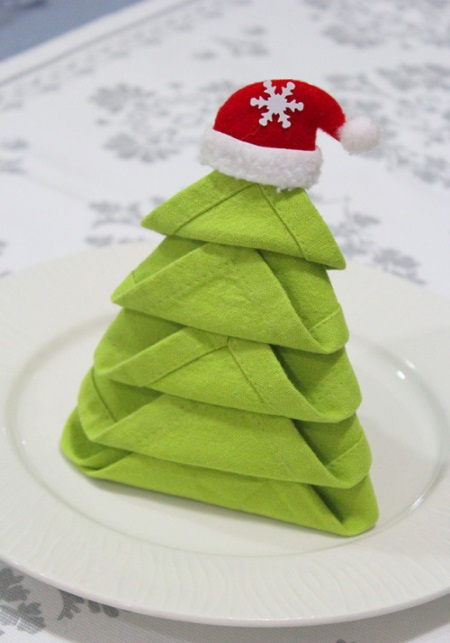 Sapin de noël en serviette à papier ou tissu
